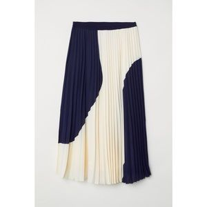 H&M White and Blue Pleated Midi Skirt